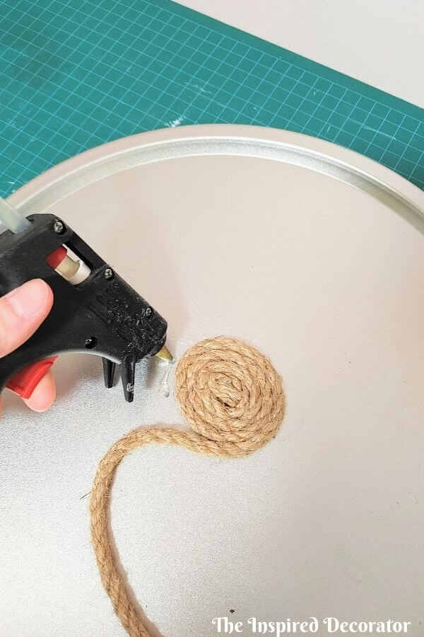 Keep working in a tight formation as your expand your spiral outwards on your diy rope tray.