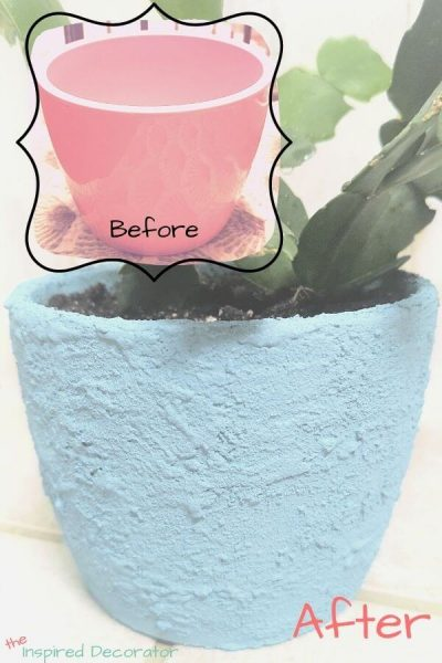 Easily turn a glossyceramic vase into a textured, earthen vase with paint and baking soda. Full tutorial available